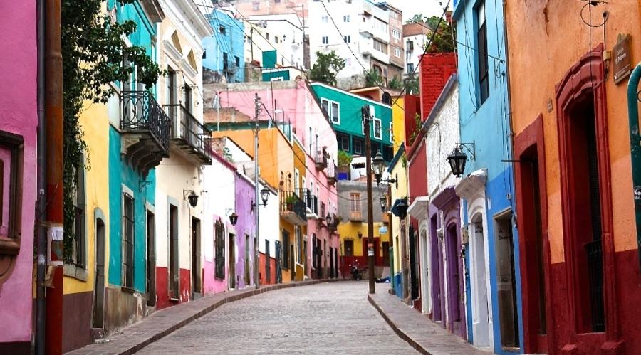 Colourful Streets of Guanajuato in Mexico