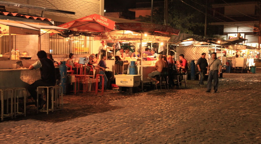 best food in mexico street vendors