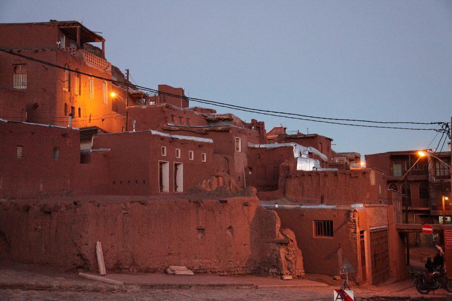 photos of iran abyaneh red village