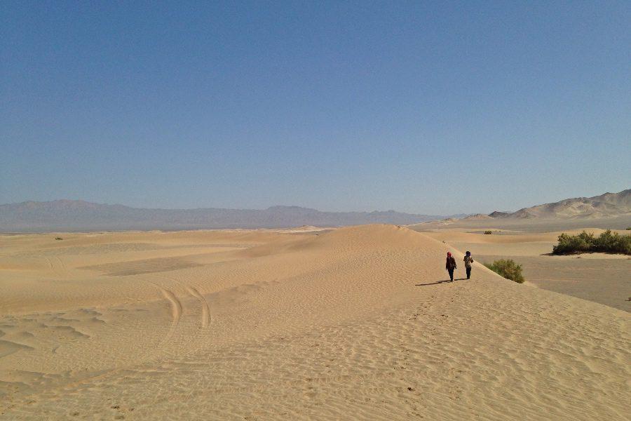 photos of iran desert
