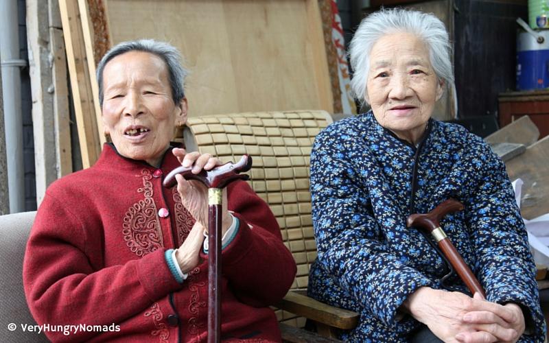 Local women in the hutongs of Beijing - People we meet travelling