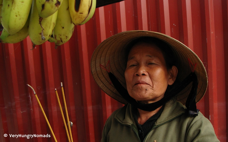 Vietnamese fruit seller in Hanoi - People we meet travelling