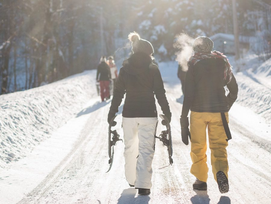 best winter travel jobs