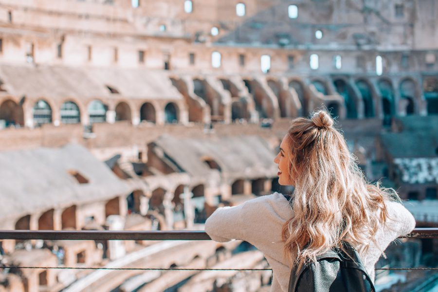 jobs that pay you to travel girl