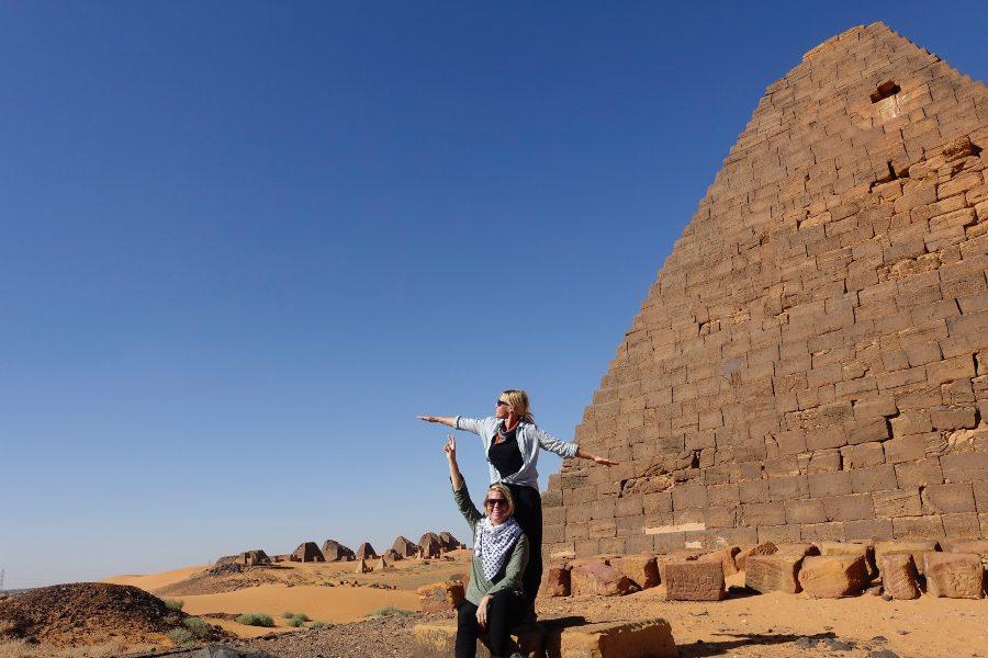 how to get to meroe pyramids