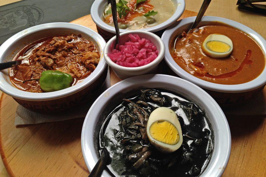 best foods to try in Oaxaca mole